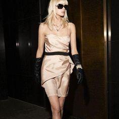 Rochie de seara bustiera femei marimi de la 34  la 48 Get The Look, Strapless Dress, My Style, Dresses, Fashion, Strapless Gown, Vestidos, Moda, Fashion Styles