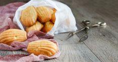 Recette de Madeleines à la fleur d'oranger sans beurre ajouté. Facile et rapide à réaliser, goûteuse et diététique.