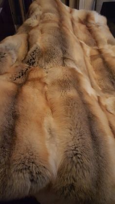Even the smell of this clean blanket of 24 pelts is arousing. Now picture running your fingers through it! Faux Fur Blanket, Faux Fur Throw, Fox Fur Coat, Fur Coats, Fur Bedding, Fur Rug, Fur Accessories, Fabulous Furs, Interior Exterior