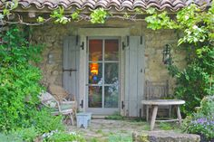 Provence Mon Amour by Mushroomer Mark Porches, Outdoor Spaces, Outdoor Living, Outdoor Decor, Deco Champetre, Mountain Cottage, French Farmhouse, French Country Decorating, Cottage Homes