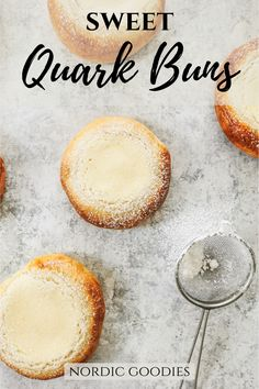 These homemade sweet buns have a delicious and creamy quark filling. Pulla Recipe, Sweet Buns, Bun Recipe, Bread Bun, Sweet Bread, Goodies, Homemade, Food, Recipes