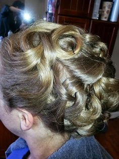 Perfect creative style for pulling the hair up