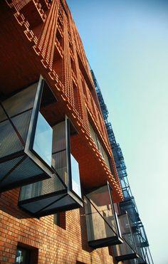 Red Apple Apartment Building  / Aedes Studio