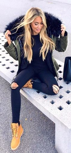 #winter #outfits green parka and distressed black fitted jeans. Pic by @janinewiggert. #parkaoutfit #LadiesJeans
