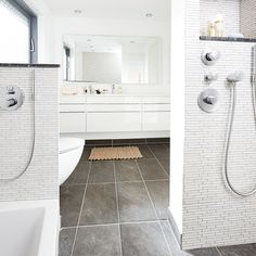 Dobbelt dusch i badeværelset