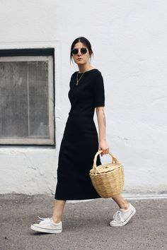 20 Simple Summer Outfits For The Minimal Girl - Damen Mode 2019 Dress Outfits, Casual Dresses, Casual Outfits, Cute Outfits, Fashion Outfits, Womens Fashion, Fashion Trends, Casual Black Dress Outfit, Easy Outfits