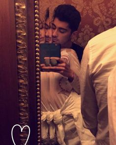Gigi Hadid And Zayn Malik's Most Adorable Moments, From First Holiday To Rumoured Pregnancy Zayn Malik Icons, Kylie, Kendall, Gigi Hadid And Zayn Malik, Estilo Gigi Hadid, Snapchat Stories, Famous Couples, Jack Gilinsky, Best Couple
