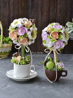 Юлия Найдун.......** I made some like these** Candy Bouquet Diy, Bouquet Box, Diy Bouquet, Flower Arrangements Simple, Flower Centerpieces, Flower Decorations, Diy Gift Box Template, Floating Tea Cup, Teacup Crafts