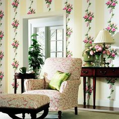www.eyefordesignlfd.blogspot.com: Decorating Rose Patterned Interiors