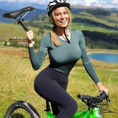 Funny Daily Memes,Image Collections And Funny Videos Radler, Cycling Girls, Bicycle Girl, Bicycle Race, Tv Presenters, Biker Girl, Girls Life, Girl Photos, Funny Pictures