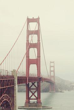 Golden Gate Bridge, San Fransisco, California (travel, wanderlust, sunshine state, summer, coast, places to live)