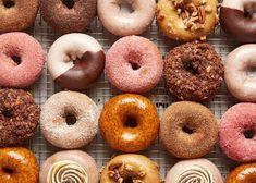 Aprenda agora como fazer donuts para vender e comece a ganhar dinheiro por conta própria. Essas rosquinhas podem te ajudar a ganhar mais de R$2.000 por mês!