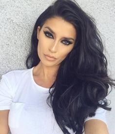 "Nicole Williams on Instagram: ""BTS today @bonnienichoalds Makeup-@ash_kholm Hair- @jucieg @princeangel1987 Styling- @kileyogle"""