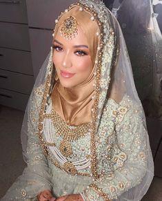 Pakistani Bridal Lehenga, Bridal Sari, Pakistani Formal Dresses, Pakistani Wedding Outfits, Bridal Hijab Styles, Asian Bridal Dresses, Bridal Wedding Dresses, Bridal Outfits, Muslimah Wedding Dress