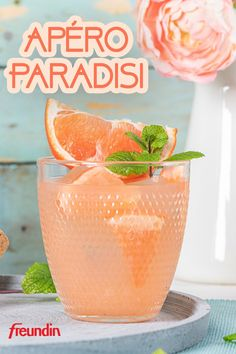 Gin Fizz Cocktail, Grapefruit Cocktail, Gin Cocktail Recipes, Cocktail Drinks, Alcoholic Drinks, Winter Cocktails, Refreshing Cocktails, Summer Drinks, Ginger Smoothie