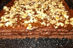 Prajitura cu foi cu nuca si crema de ciocolata Sweets, Cooking, Desserts, Recipes, Romania, Food, Postres, Baking, Sweet Pastries