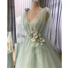 Cute Prom Dresses, Ball Dresses, Elegant Dresses, Pretty Dresses, Beautiful Dresses, Formal Dresses, Vintage Prom Dresses, Vintage Ball Gowns, Long Formal Gowns