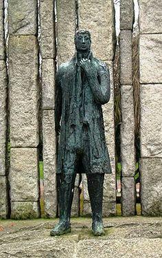 Wolfe Tone Statue, Dublin - Theobald Wolfe Tone was a leading Irish… Dublin Ireland, Church Of Ireland, Celtic Pride, Donegal, Irish Men, Perspective Art, Fighting Irish, The Eighth Day, Teaching History