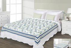 Prehoz na posteľ bielo modrej farby s kvetmi