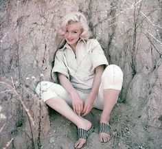 "237 Likes, 2 Comments - Marilyn Monroe (@loverlymarilyn) on Instagram: ""Marilyn photographed by Milton H. Greene❣️ #marilynmonroe"""