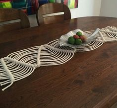 Table runner macrame