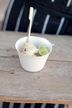 Un gelato ecologico in un bicchieri usa e getta biodegradabili... ecodesign!