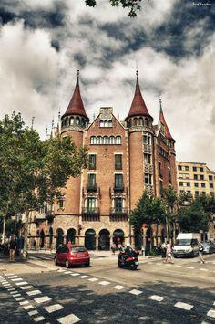 Walking in Barcelona.... - null
