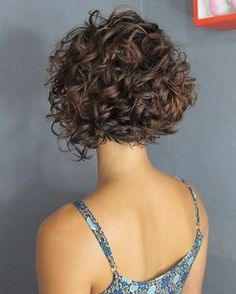 80 Bob Hairstyles To Give You All The Short Hair Inspiration - Hairstyles Trends Haircuts For Curly Hair, Curly Hair Cuts, Short Hair Cuts, Curly Hair Styles, Short Curly Bob, 4b Hair, Medium Curly, Side Curly Hairstyles, Thin Wavy Hair