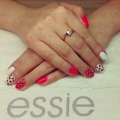 Cheetah nails vs Neon :)