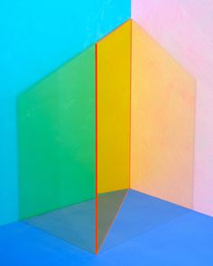 La série de photos de l& Erin O'Keefe «Things as the are are Geometric Sculpture, Sculpture Art, Still Photography, Creative Photography, Photography Exhibition, Abstract Photography, Color Studies, Art Abstrait, Plexus Products