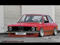 BMW E21 3 series red slammed