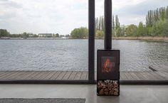 """Modernes Hausboot am Fluss. Die Inneneinrichtung ist schlicht http://wohn-designtrend.de/modernes-hausboot-am-fluss/#.UotDYuLovIX"