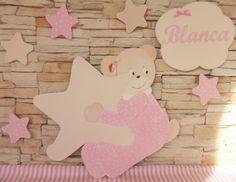 Composición de siluetas Osita con estrella , nube con el nombre y estrellitas.  En tonos beig y rosas. Muy bonitas!!!  pekerines.blogspot.com.es