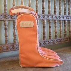 How handy is this?  Jon Hart boot Bag, Jon Hart Cowboy Boot Bag. Different color though