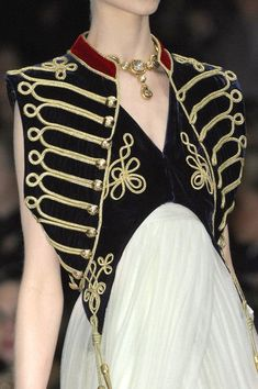 Alexander McQueen Fall 2008 - Details …