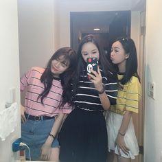 ʚ pin - lloverrose ɞ Japanese Fashion, Asian Fashion, Look Fashion, Bff Girls, Cute Girls, Korean Girl, Asian Girl, Korean Best Friends, Ulzzang Korea