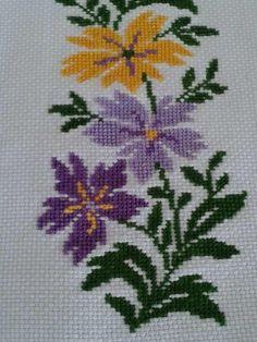 Needlepoint Stitches, Embroidery Stitches, Embroidery Patterns, Hand Embroidery, Cross Stitch Patterns, Needlework, Crochet Bedspread, Bargello, Cross Stitch Flowers