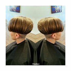 Bowl with long bangs:) Short Pixie, Short Hair Cuts, Short Hair Styles, Very Short Haircuts, Short Bob Hairstyles, Chili Bowl Haircut, Straight Fringes, Wedge Haircut, Bowl Haircuts