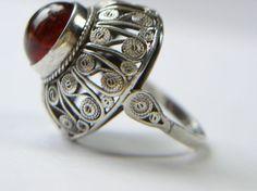 IMAGO ARTIS, projekt Andrzej Folfas Filigree Jewelry, Silver Filigree, Jewelry Box, Jewelry Rings, Jewelery, Vintage Jewelry, Fine Jewelry, Amber Ring, Baltic Amber