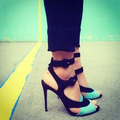Beautiful black & turquoise heels by the British footwear designer Sexy High Heels, Hot Heels, Black Heels, Flat Boots, Shoe Boots, Shoes Sandals, Flats, Turquoise Heels, Beautiful Heels