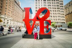Pop artist Robert Indiana, reputed for his 'LOVE' series that's planted around the world, passed away on Saturday at age 89 in his home. Indiana Love, Love Statue, New York City Ny, Business Coach, I Love Ny, Wedding Goals, Interior S, Urban Art, Art World
