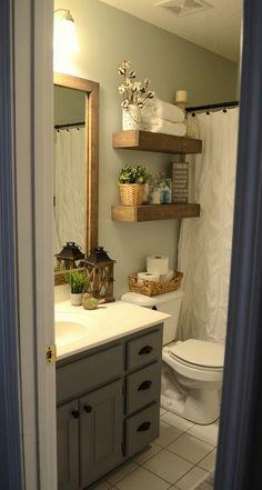 Small Master Bathroom Decor on a Budget https://www.onechitecture.com/2018/01/19/small-master-bathroom-decor-budget/