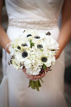 #Winter #wedding #flowers #pollen #chicago #florist #local #ecochicweddings