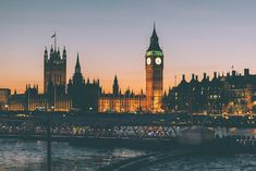 There is always something to see and do in London. Find the best things to do in London and enjoy your visit as you explore London's hidden gem. London Eye, London Night, Trafalgar Square, Palais De Westminster, Westminster Abbey, Big Ben, Piccadilly Circus, Hyde Park, Rio Tamesis