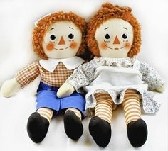 VINTAGE Raggedy Ann and Andy. I made a Raggedy Ann for my second daughter and a Christmas stocking with Raggedy Ann on it the same year. 1970s Childhood, My Childhood Memories, Childhood Toys, 1970s Toys, Retro Toys, Our Kids, My Children, Ann Doll, Raggedy Ann And Andy