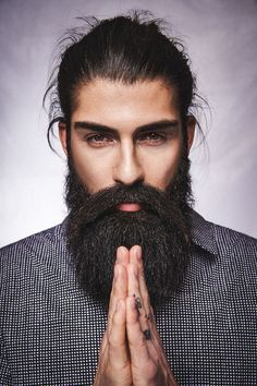 Not being able to Grow a Fuller and Thicker Beard?We will help you right from the basics of beard growth. Beards And Mustaches, Bald Men With Beards, Long Beards, Moustaches, Beard Growth, Beard Care, Growing A Full Beard, Goatee Beard, Men Beard