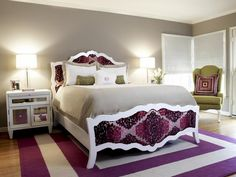 Too often I see bedrooms in purple which are purple ALL OVER. Different shades of purple, granted, but no other color in sight. This room features purple in a restrained and original way. Very nice!