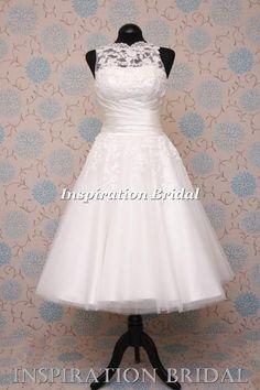 justin alexander 8706 short wedding dress http://www.inspirationbridal.co.uk/1555-short-tea-length-lace-short-wedding-dress.html