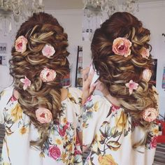 Beautiful bride hairstyle with DD Design accessories.