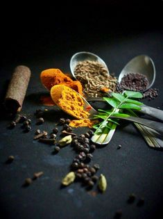 Dishes made with fresh spices and lots of love Comida India, Dark Food Photography, Photography Ideas, Tumblr Food, Kerala Food, Spices And Herbs, Cooking Ingredients, Spice Things Up, Food Pictures